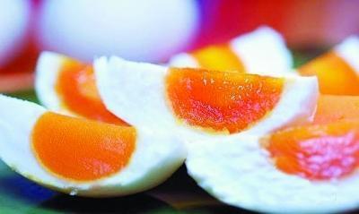 """鸭蛋黄越红越好?马冠生:切莫追求""""颜值"""""""