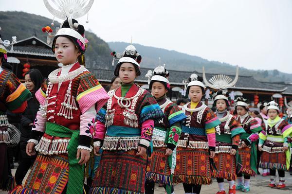 贵州凯里:盛装起舞闹新春