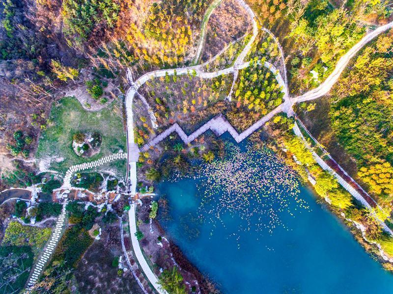 河北邯郸:废弃矿山变身生态公园